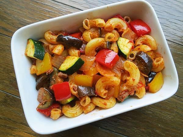 普羅旺斯燉菜(Ratatouille) + 波隆納肉醬(Bolognese sauce)+ 義大利麵