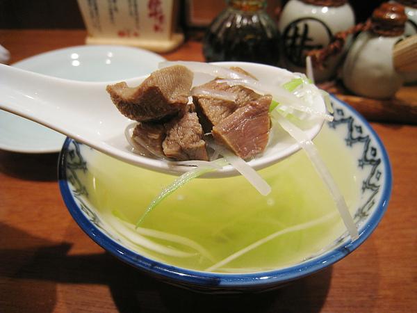 湯裡的牛舌還不少塊,口感也不錯,可惜湯頭鹹了不只一點