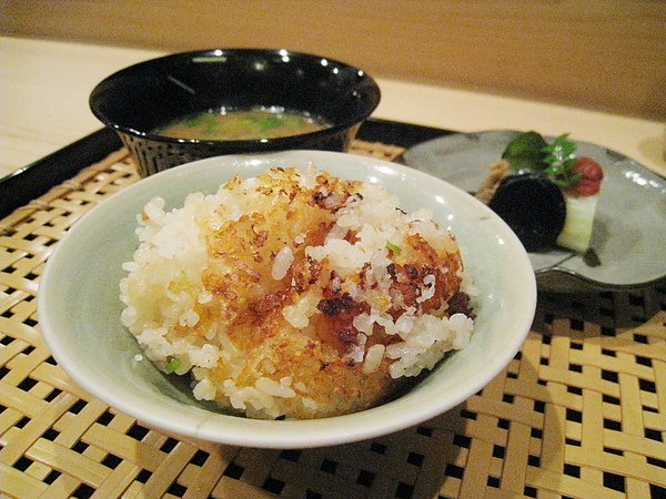 第七回合:紅味噌湯、漬物、章魚土鍋飯