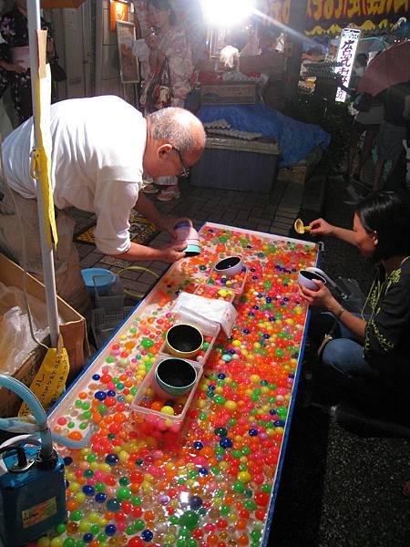 日本祭典就跟台灣夜市一樣,有很多遊戲攤