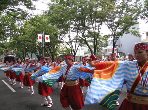 同樣的舞我昨天就在代代木公園廣場看過