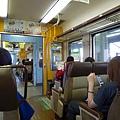 我很喜歡坐火車,尤其是這種帶點觀光味的可愛車廂