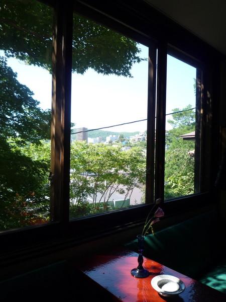 一樓文物展示廳窗外的景色