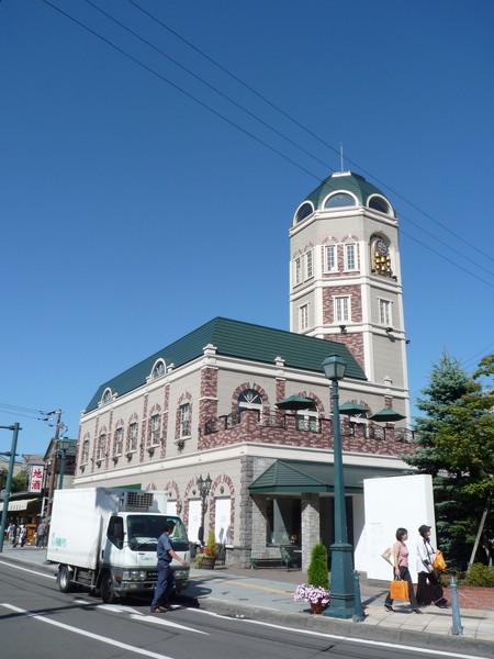 這條街上有許多美麗的西式古老建築物和特色商店