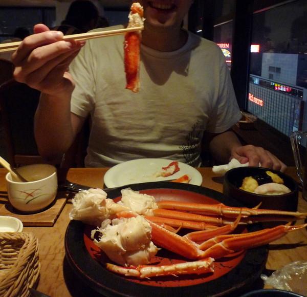 雖然配菜差強人意,重頭戲的蟹腳倒是還滿新鮮的