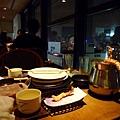 這樣一餐每人3675日圓。如果想同時吃毛蟹和帝王蟹,還有3990、4220、5250的套餐組合可選