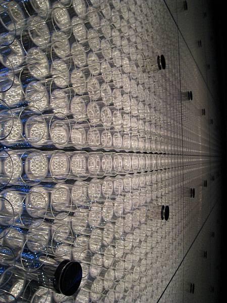 LV的玻璃牆面特寫