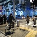 TSUTAYA書店過馬路,對面就是朝日電視台