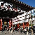 日本人對白色好像沒什麼忌諱,在台灣或中國點白燈籠,應該會被認為是辦喪事吧