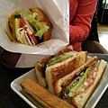 兩樣都很好吃,但三明治比漢堡更讓我驚艷,還好當初誤打誤撞點了它