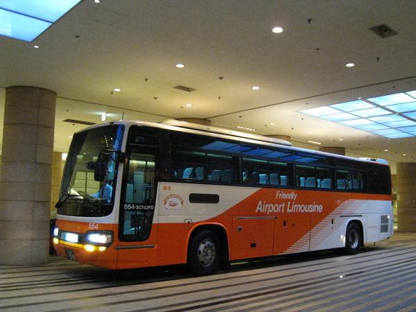 逛完六本木之丘,順便送之之到Tokyo Grand Hyatt,搭巴士去成田機場