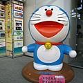 朝日電視台內有超大尺寸的哆啦A夢,我很愛帶朋友來這裡拍照