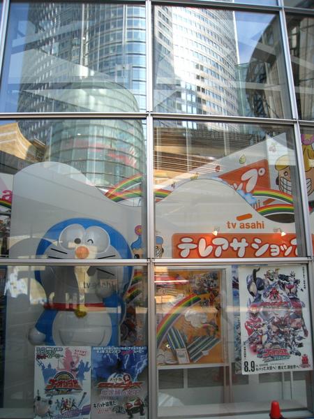 朝日電視台展示廳櫥窗
