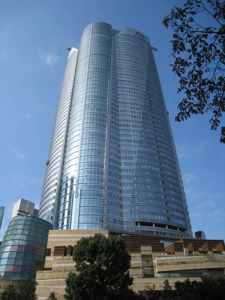 冬陽下的森大樓﹝Mori Tower﹞。高盛證券、雷曼兄弟的東京總部都在這一棟