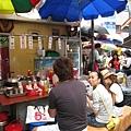 南大門市場內的早餐三明治攤