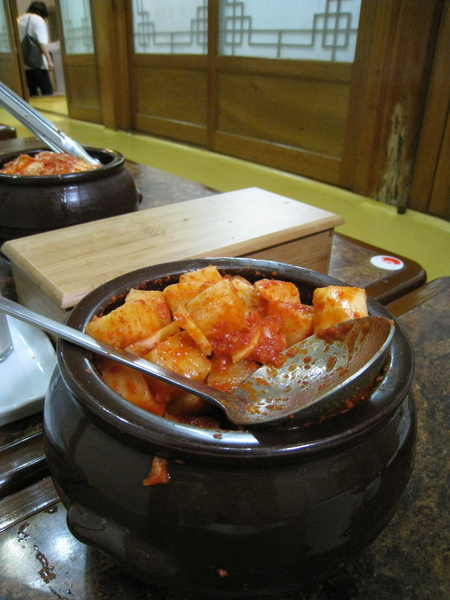 自行取用的白蘿蔔泡菜