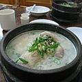 我體質燥熱容易中暑,但土俗村蔘雞湯完全不上火,吃得渾身舒暢