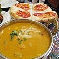 Kubuli Naan的缺點是吃多了會膩,或許配咖哩應該還是原味的印度烤餅比較搭