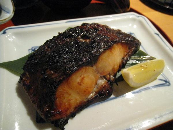 黒むつの柚香焼き(柚香炭烤黑鯥魚),炭火烤過的魚皮焦香可口,魚肉鮮嫩