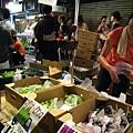 500公克700日圓的超大信州綠葡萄,我們買了一串回家享用,好吃