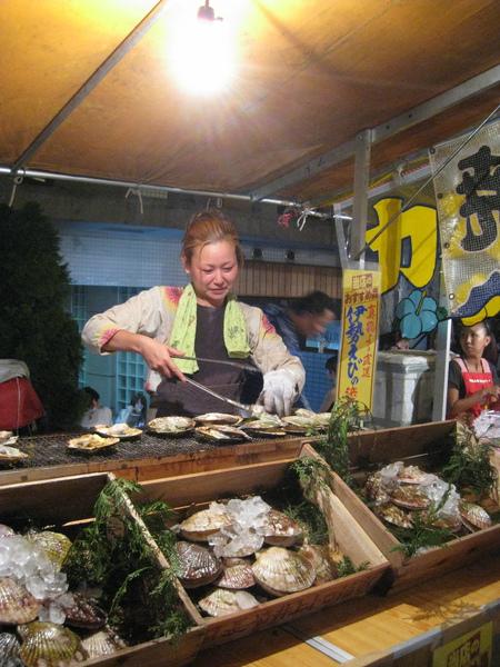 超大的烤扇貝