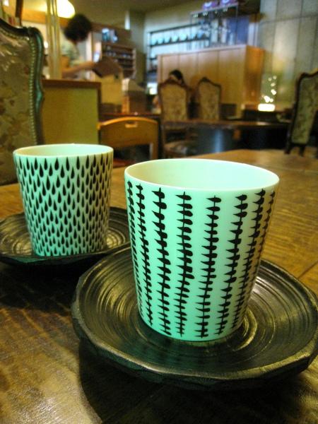 餐後店家用又送上熱茶,很可愛的茶杯,害我好想買一組回家