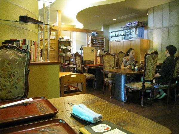 這家竹やぶ 有米其林一星,但餐廳裝潢和價位都挺平易近人