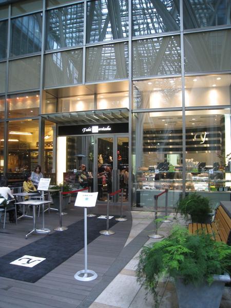 日本法式甜點大師鎧塚俊彦Toshi Yoroizuka,在六本木Tokyo Midtown開的分店