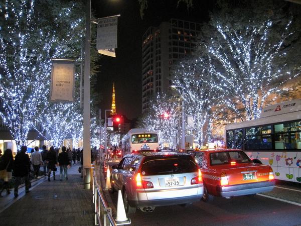 六本木之丘的櫸木坂大道已在11月四號正式點起燈海