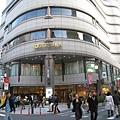 逛完早稻田學園祭,轉戰新宿的高級傢俱大賣場「IDC大塚傢俱」選購沙發