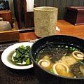 味噌湯和野澤菜漬物倒是不錯