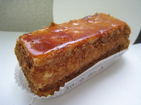 11/13,香草千層派(Millefeuille Vanilla)700円,香濃的香草卡士達配上焦糖口味硬派皮,這款我吃過兩次,很愛