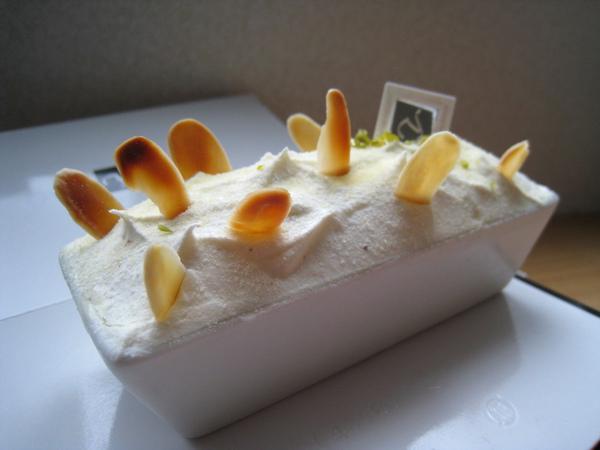 11/13之二:Fromage Double,雙層杏仁柑橘起司蛋糕,我們也不喜歡