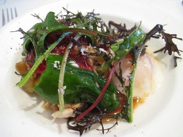 鮮菇雞肉佐水波蛋