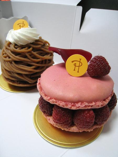 前方是我選的Ispahan,後方是大白到所有甜點店必點的Mont Blanc