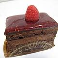 微酸的覆盆莓和濃郁香甜的巧克力慕斯非常搭配