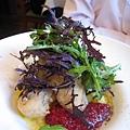 大白的A餐前菜:上次點過、一吃就上癮的炸牡蠣佐蔓越莓醬和馬鈴薯濃湯