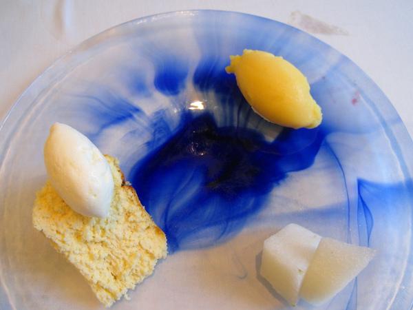 大白的A餐甜點,照例點我們最喜歡的拼盤