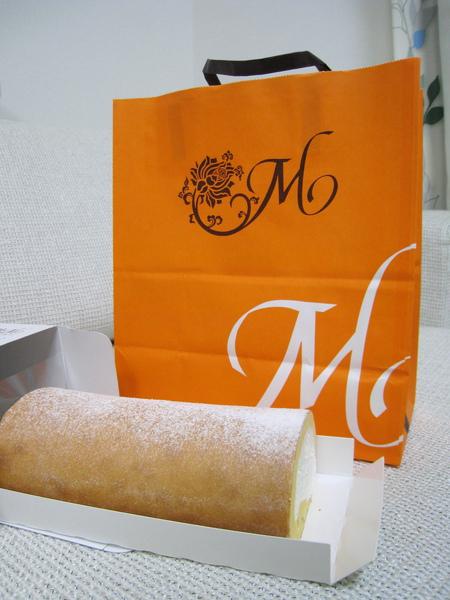 這麼長一條鮮奶油蛋糕捲才1201円,以東京物價和知名甜點的標準而言算是很便宜