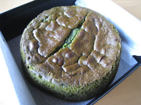 登登!傳說中的超人氣「抹茶滿月」磅蛋糕