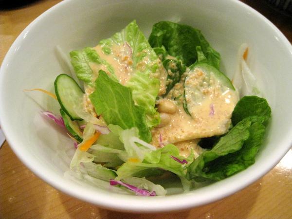 餐後照例附贈芝麻醬生菜沙拉,好吃