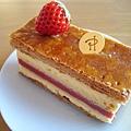 1/16,一月限定的草莓千層派(Millefeuille Céleste),大白很喜歡