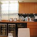 我們的座位正對半開放式的廚房,看得到大廚和助手在廚房中忙碌