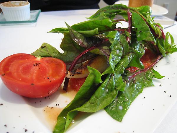 大白的前菜:槍烏賊鑲紅芯大根佐番茄醬汁