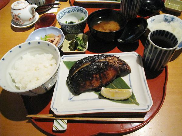 鰆(サワラ)の柚香焼き(柚香炭烤鰆魚)