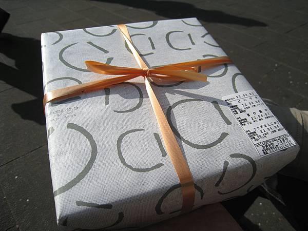 2010/4/3的戰利品,拎著這盒到上野公園野餐