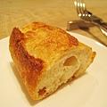 法式棍子麵包聽說是來自附近一家我很喜歡的麵包店Pointage
