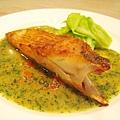 我的主菜:香煎布列塔尼魟魚佐橄欖酸豆醬汁,肉質和調味皆讓我驚艷,是今日最滿意的菜色