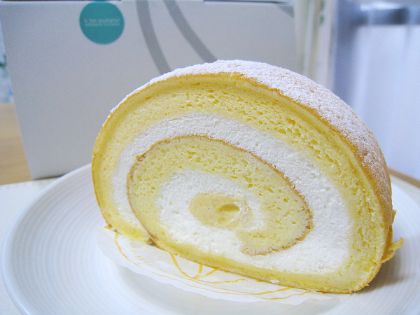 鮮奶油蛋糕捲(ロールスペシャル),300日圓,大白和我都給它很高分,水準和Mon Chouchou招牌的堂島Roll有拼