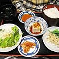 2010/4/24,大白的「和牛ハラミ」套餐(牛肉還沒端上來),¥1,100